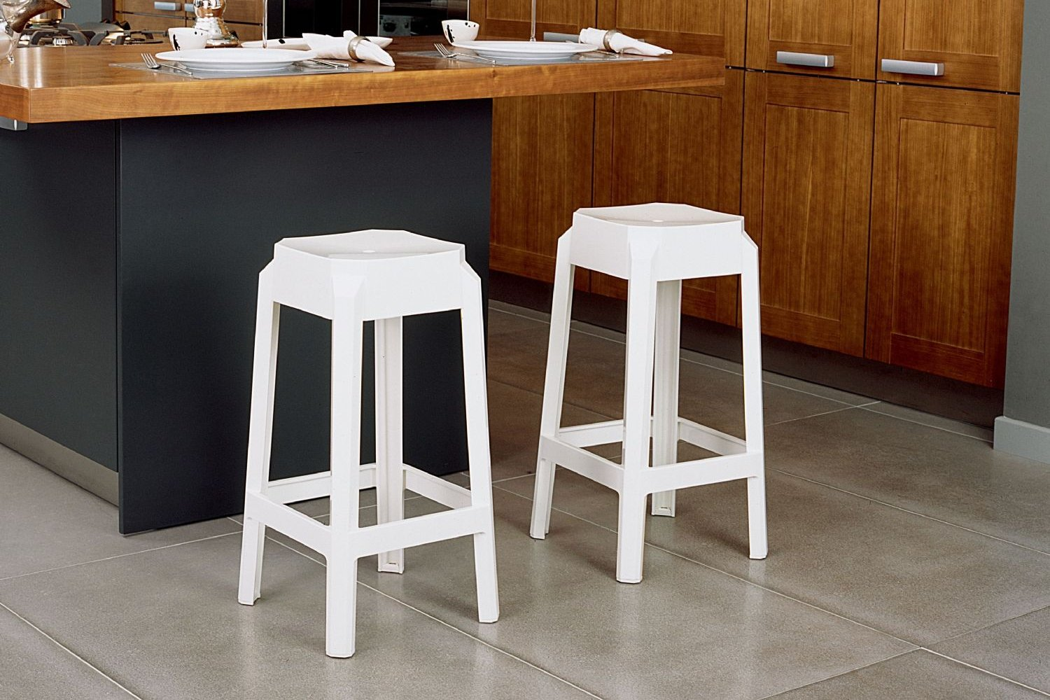 Fox Polycarbonate Counter Stool Transparent Black ISP036-TBLA - 2