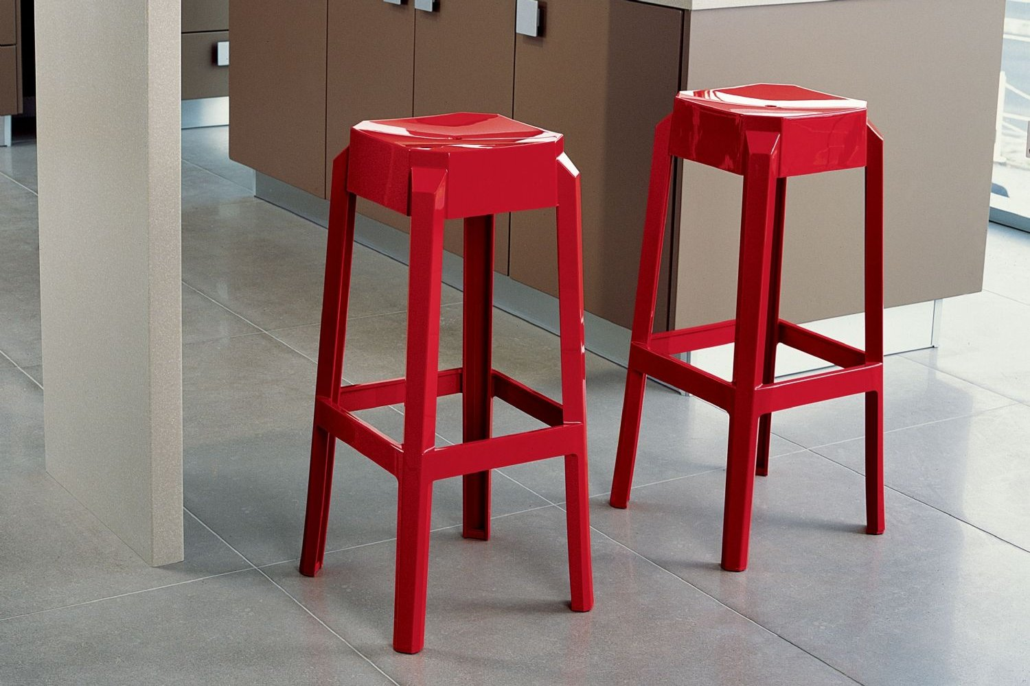 Fox Polycarbonate Barstool Glossy Red ISP037-GRED - 1