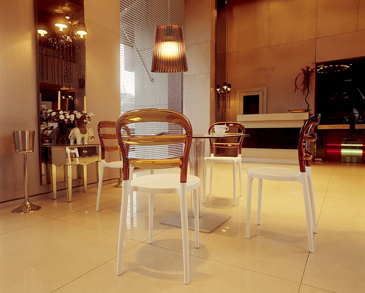 Miss Bibi Dining Chair White Red ISP055-WHI-TRED - 4
