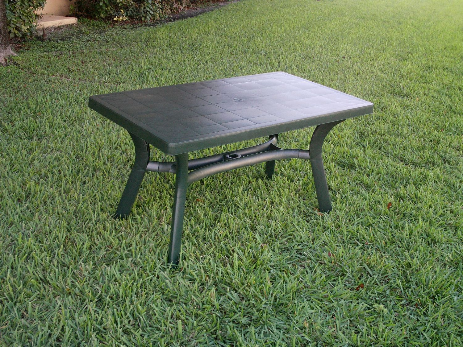 Sunrise Resin Rectangle Table 55 inch Dark Green ISP182-GRE - 2
